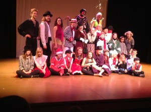 The community-filled cast of Motus O's A Christmas Carol